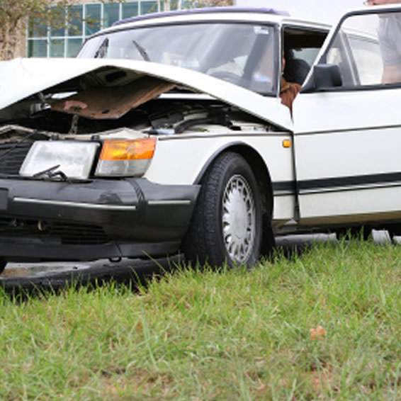Car crash injuries help with Dr. Richard Kjaer Victoria Chiropractor